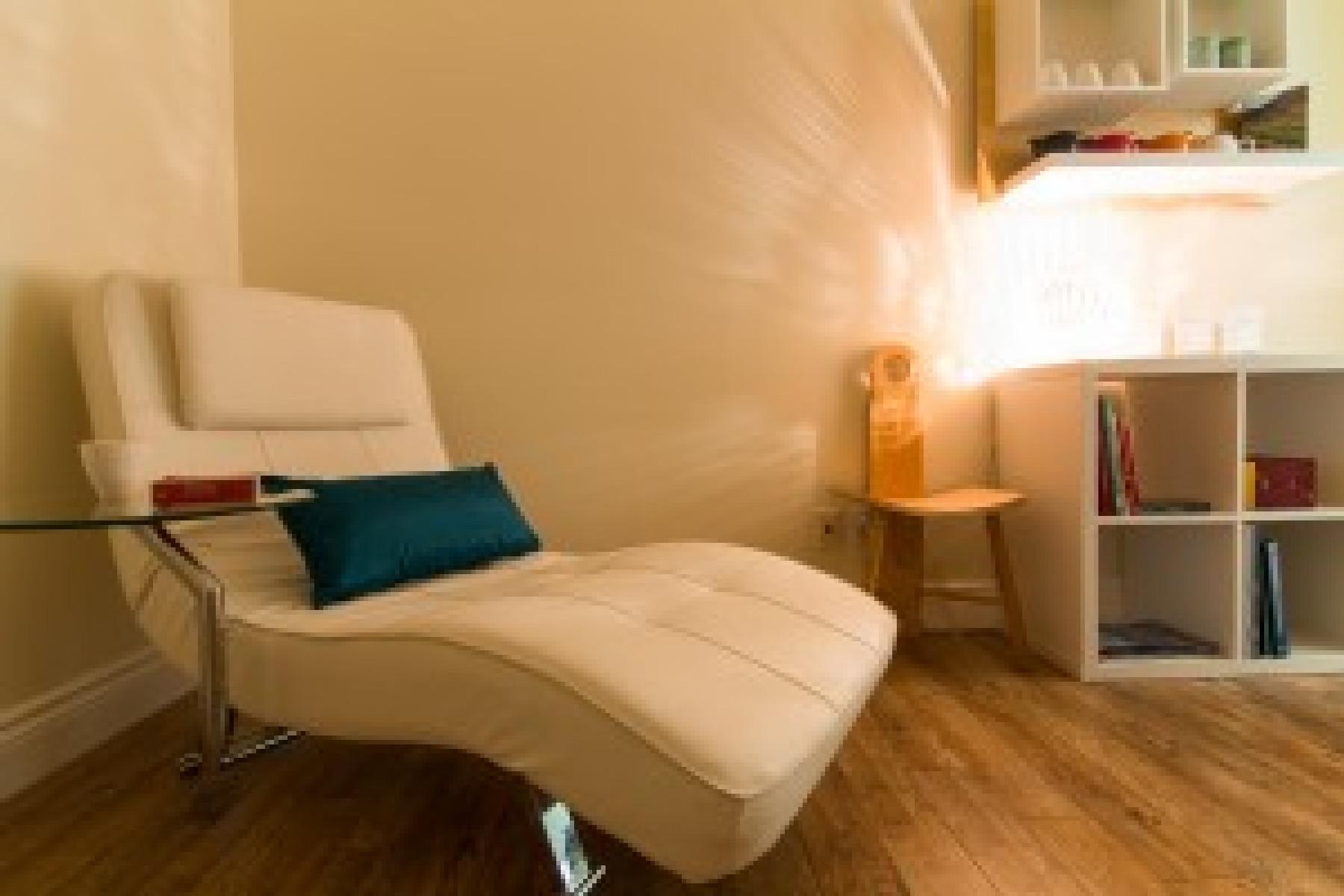 Salle de relaxation chez Zeste Détente.  Profitez de cette salle calme après votre massage pour vraiment prendre le temps.