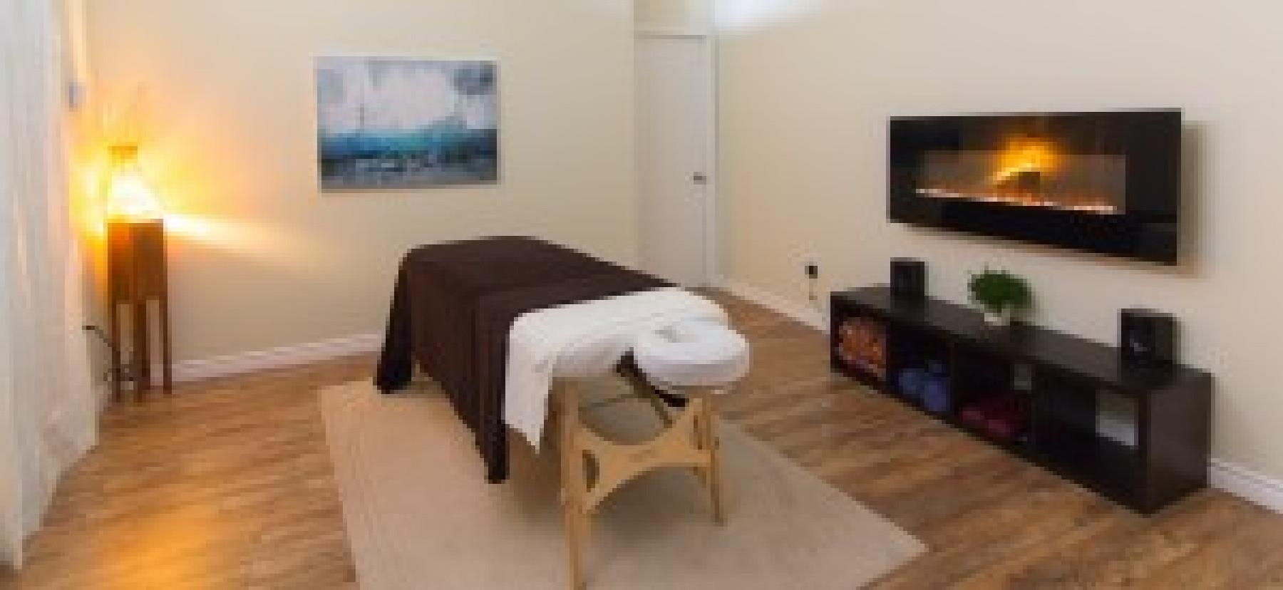 Salle de massage 2: Faites vous masser avec le chaleur d'un foyer