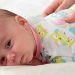 10 raisons pour masser bébé dès le jour 1!